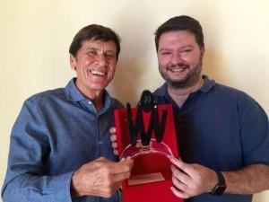 Gianni Morandi premiato come personaggio dell'anno Mia 2015 a Rimini