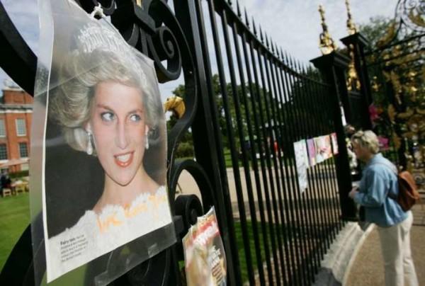 Ultime rivelazioni sulla morte di Lady D, la Regina sapeva del complotto?