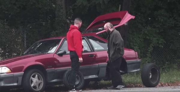 Usa, esperimento sociale: si ferma ad aiutare un automobilista e riceve 200mila dollari