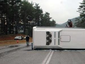 Francia: scontro frontale tra un camion e un autobus vicino Bordeaux, 43 morti