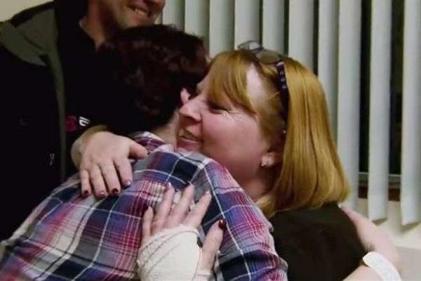 Mamma inglese trova donatore di rene dopo l'appello su Facebook
