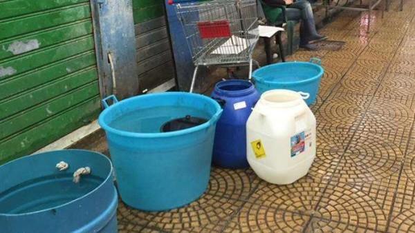 Messina senz'acqua da cinque giorni a causa delle frane. Mobilitati i social network