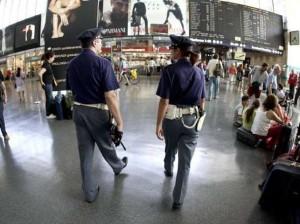 Minorenni si 'vendevano' per pochi spiccioli nei bagni della Stazione Termini: tre arresti