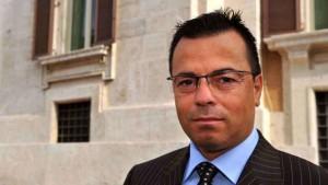 """Buonanno propone il bonus pistola: """"Contributo comunale di 250 € per chi ne compra una"""""""