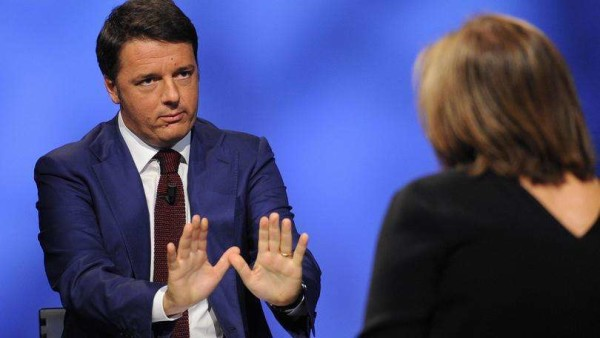 """Renzi: """"Nel 2016 canone Rai si pagherà in bolletta. Taglio Ires per tutte le imprese"""""""