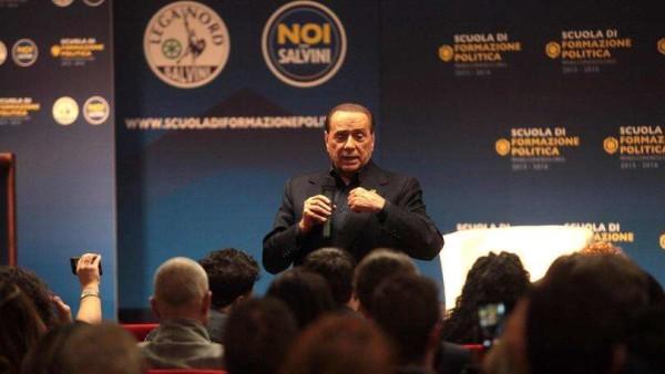 """Berlusconi: """"Bonus Renzi ai 18enni è mancia elettorale disgustosa. Finita la democrazia"""""""