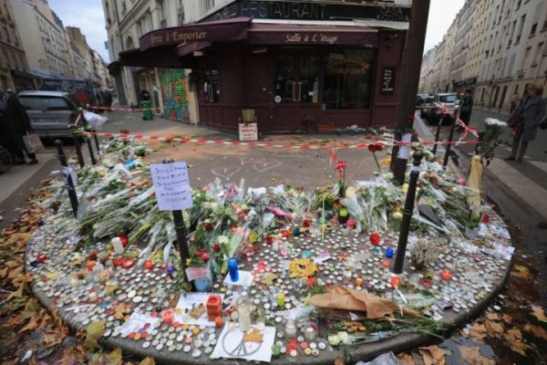 Strage Parigi, gestore bar specula sui morti: venduto per 50mila euro il video dell'orrore