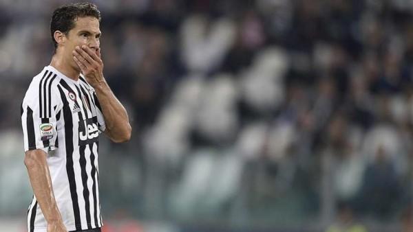Juventus, Hernanes salta il City: stop di tre settimane per uno stiramento