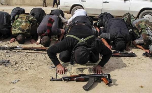 """L'appello dell'Isis ai foreign fighters britannici: """"Basta Siria, adesso colpite in patria"""""""
