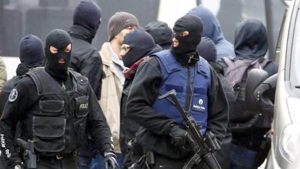 Attentati a Parigi: l'uomo arrestato a Bruxelles è l'artificiere del commando