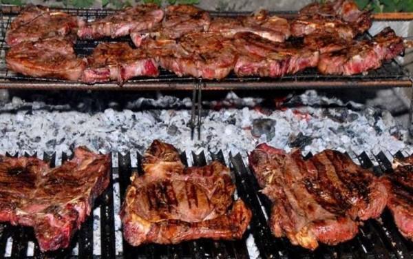 Carne ancora sotto accusa: secondo uno studio favorisce il tumore al rene se cotta alla brace