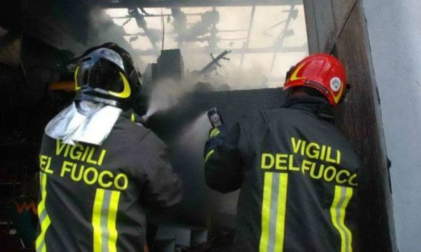 Milano, esplode un palazzo: muore una donna e ci sono due feriti