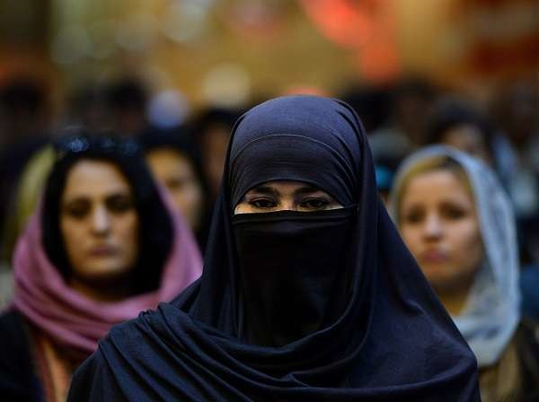 Afghanistan, marito taglia il naso alla giovane moglie: il web chiede condanna esemplare
