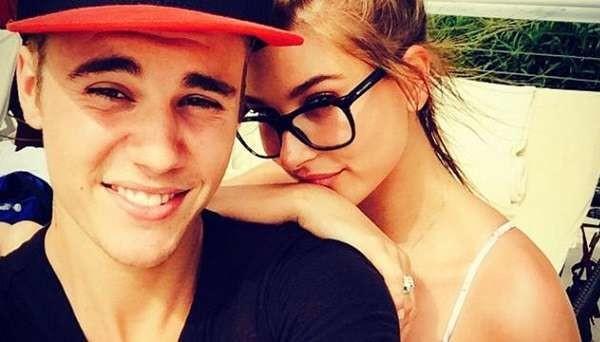 Justin Bieber e Hailey Baldwin escono allo scoperto: bacio appassionato su Instagram