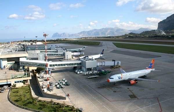 Terroristi arrestati a Palermo: stavano per partire verso Londra con documenti falsi