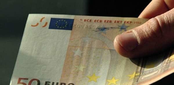 Roma, medico pensionato chiede 100 euro alla madre: denunciato per estorsione dalla sorella