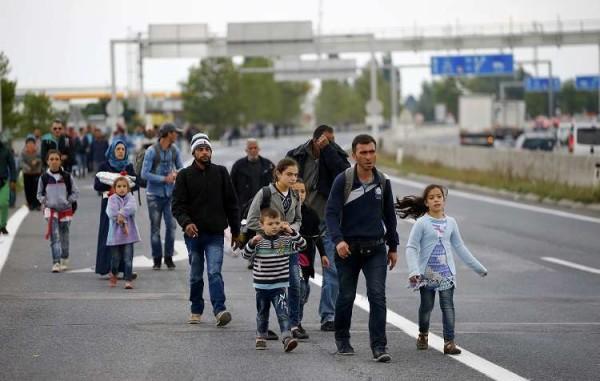 Austria: sospesi gli accordi di Schengen, via gli immigrati senza documento Ue
