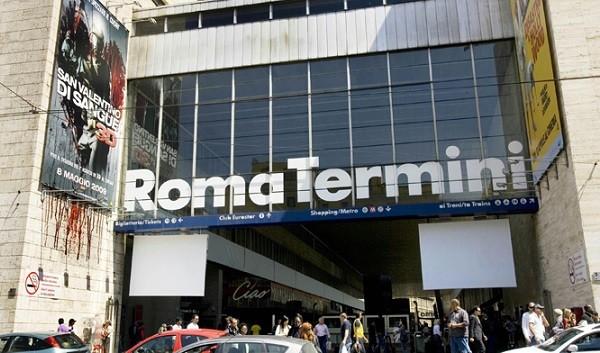Roma, pakistano tenta di violentare una turista straniera alla stazione Termini