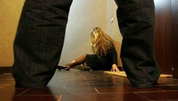 Svezia shock: medico stimato chiude paziente per 6 giorni in un bunker per violentarla