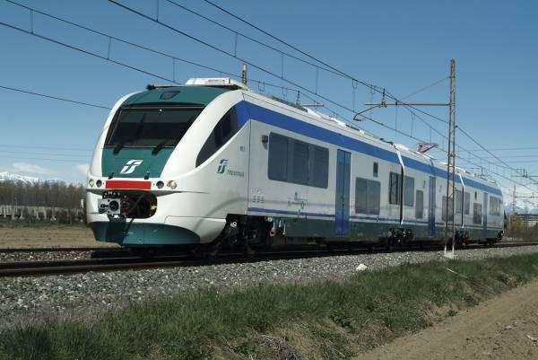 Treni regionali, addio ai biglietti cartacei: potranno essere acquistati on-line