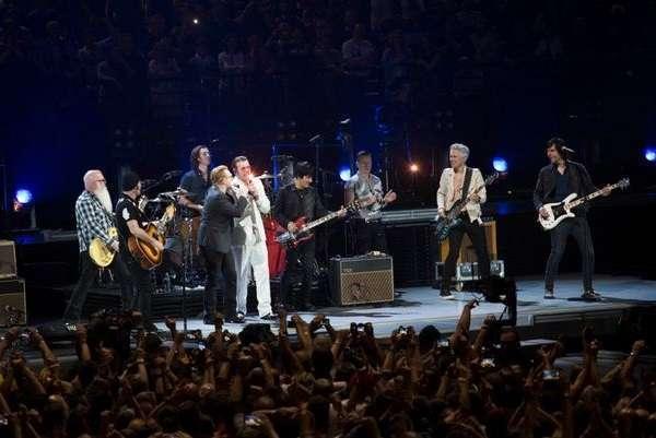 Eagles of Death Metal, concerto a Parigi a tre mesi dalla strage al Bataclan