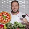 Perde 44 kg mangiando una pizza al giorno: pizzaiolo napoletano conquista New York