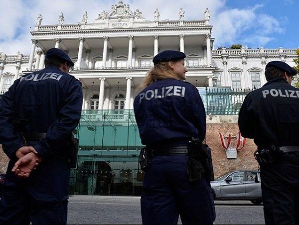 """Vienna, immigrato iracheno stupra bambino di 10 anni: """"Era un'emergenza sessuale"""""""