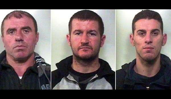 Napoli, arrestati i tre albanesi che rapinavano in ville: torture per farsi aprire le casseforti