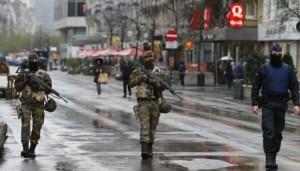 Isis, smantellata rete di reclutamento a Bruxelles: 10 arresti, sequestrati pc e telefoni