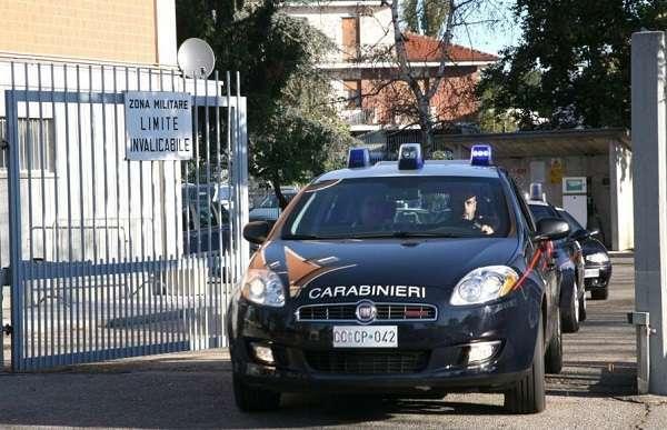 """Torino, svaligiavano negozi introducendosi con delle abilità """"contorsioniste"""": tre arresti"""