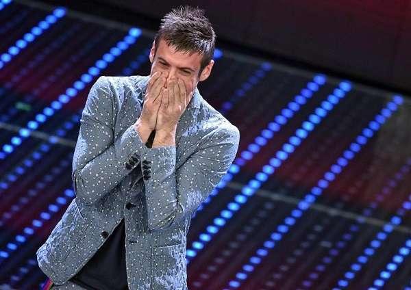 Sanremo 2016, Gabbani vince tra i giovani. 5 Big a rischio, programma ultima serata