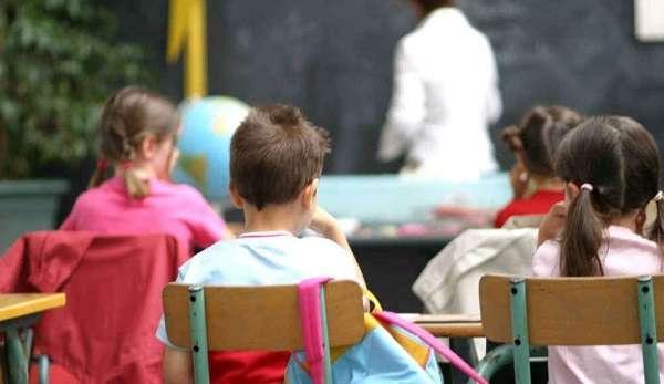 Pisa, maestra d'asilo picchiava, insultava e umiliava i suoi piccoli alunni: arrestata