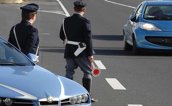 Sicurezza stradale, guidare senza patente non è più reato