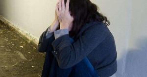 """Spagna, giudice shock contro donna vittima di stupro: """"Ha provato a chiudere le gambe?"""""""