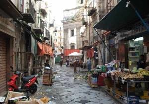 Palermo, lite a Ballarò tra la folla finisce in sparatoria: ferito 21enne africano