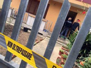 Cagliari, coniugi ritrovati morti nel loro appartamento. Scomparso uno dei figli