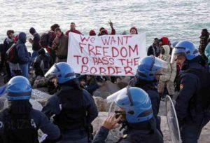"""Ventimiglia, sindaco ordina sgombero tendopoli profughi: """"Fallito il piano Alfano"""""""