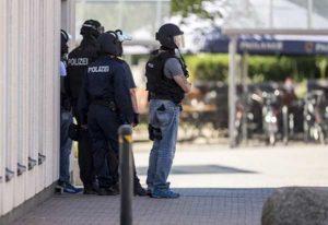 Germania: uomo armato prende ostaggi in un cinema di Francoforte, ucciso in un blitz