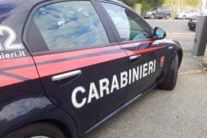 Roma, fanno ubriacare una donna incinta per poi stuprarla: arrestati due romeni