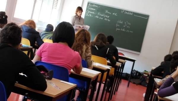 Scuola: diventa insegnante di ruolo a 67 anni, ma tra due mesi andrà in pensione