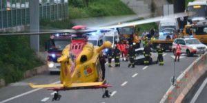 Maxi-incidente sull'A4 tra 7 auto: morti 2 amici in viaggio per tifare l'Italia del basket