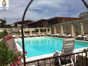 Bolzano, muore folgorata da una scarica elettrica mentre pulisce la piscina di casa