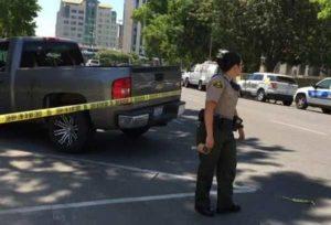 """Usa, bimba di 3 anni trova pistola in casa e si spara. La polizia: """"Incidente per negligenza"""""""