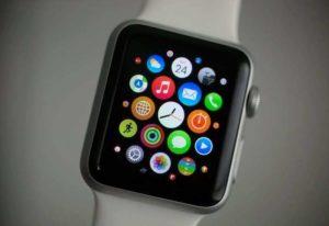 Apple Watch 2, pronto entro l'autunno: in uscita anche Macbook e iPhone 7