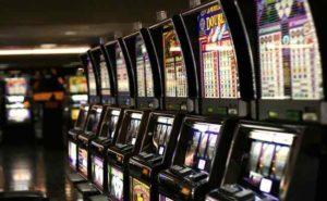 Evasi 1,3 milioni di euro con Slot Machine e VLT: gioco illecito scoperto dalla Gdf