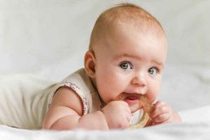 Massaggiagengive, un pericolo per la salute dei bimbi: nuovo studio Usa lancia l'allarme