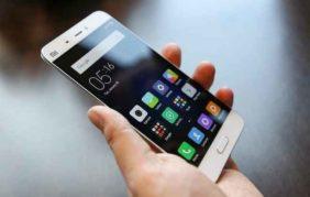 Gli italiani scelgono lo smartphone come strumento tecnologico preferito