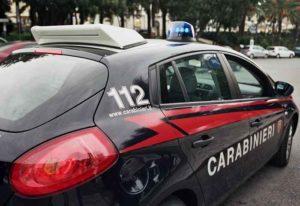 "Studente 16enne porta una pistola a scuola: ""Mi sento figo"". Intervengono i carabinieri"
