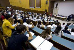 """Scuola, 600 docenti universitari scrivono al Governo: """"Gli studenti non conoscono l'italiano"""""""