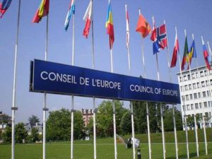 L'Italia è il paese degli abusi di potere, il Consiglio d'Europa chiede limitazione